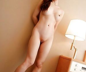 Pretty asian MILF Natsuki Mishima uncovering her amazingly sexy curves