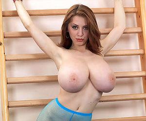 Merilyn Sakova shows off the huge tits in supreme XXX solo moments