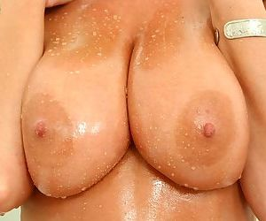Over 40 mom Pandora exposing her big wet boobs in the shower