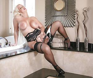 Chesty blonde mom Alura Jenson sliding hand down underwear to masturbate