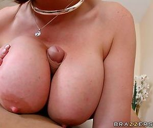 Mature yet sexy babe Sara Jay fits a big dick in her cunt
