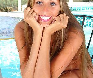 Amateur mom Lori Anderson making nude modeling debut beside swimming pool