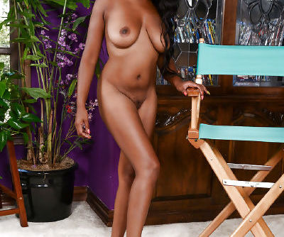 Ebony first timer Amber Cream folding labia lips back to exhibit pink cunt