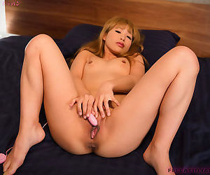 Japanese doll in stockings Hotsuki Natsume gives a sensitive BJ POV style