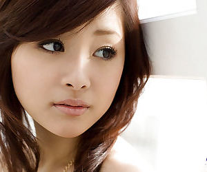 Sweet asian babe Suzuka Ishikawa uncovering her fuckable body