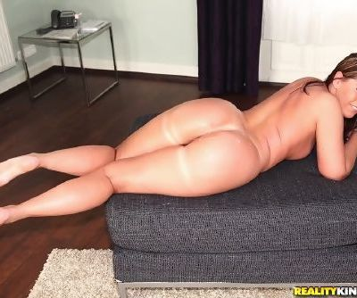 Fat chick with a big ass does anal sex after getting oiled up