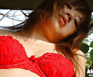 Hot asian babe Chikaho Ito slipping off her bikini outdoor