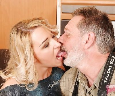 Horny teen Cynthia Moore gives a blowjob and gets shagged by an oldman