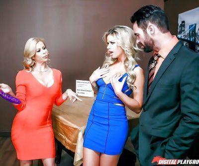 Busty blondes Alexis Fawx and Jessa Rhodes swap cum after threesome sex