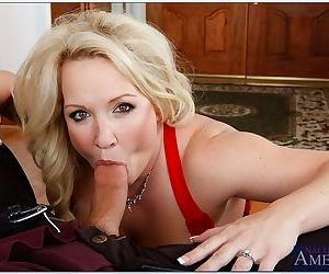 Mature blonde wife Rachel Love denudes her fat tits for hardcore sex