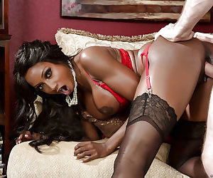 Reality mature Diamond Jackson has her Ebony ass drilled in close up