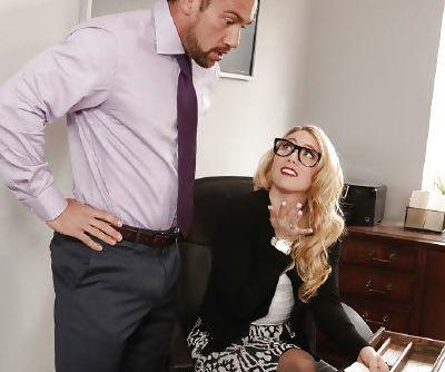 Glasses topped pornstar AJ Applegate having hardcore sex on office desk