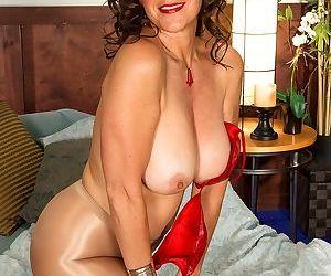 American housewife Lorena Ponce licks her own nipples while masturbating