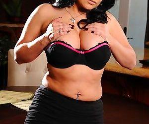 Buxom housewife Sophia Lomeli waits for husband with something delicious