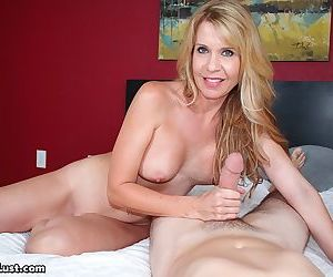 Desi Dalton doesnt control herself and realizes old idea to seduce stepson