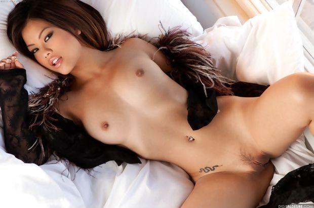 Khyanna Song nude photo 1