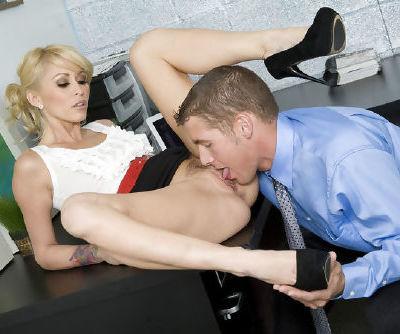 After having huge cock drilling her shaved twat blondie enjoys feeling cream sliding