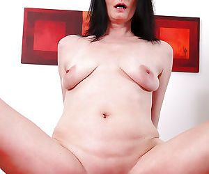 Lecherous mature slut with saggy tits gets shagged and jizzed over her ass