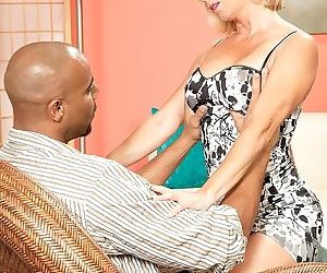 Bbc and a creampie for the lonely housewife - part 291
