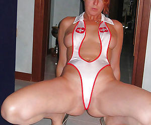 Hot amateur wives and milfs naked and fucking gallery 20 - part 438