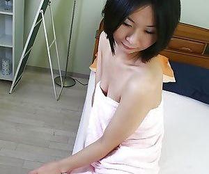 Frisky asian MILF Ayano Nagasawa showcasing her slippy curves