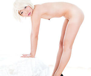 Super sexy Japanese girls petting and posing naked in high heels