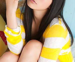 Pretty asian model tomoe yamanaka posing in bikini - part 1099