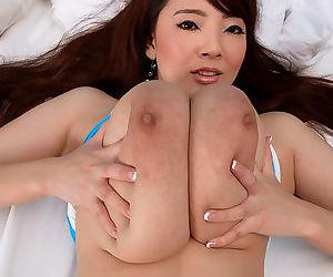 Japanese pornstar hitomi tanaka rubs her big boobs - part 2594