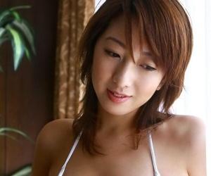 Asian babe jyuri kanoh poses in bikini showing ass - part 1968