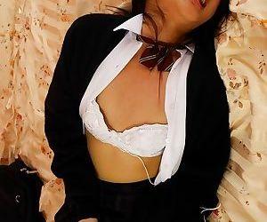 Japanese schoolgirl hikaru momose toying her pussy - part 584