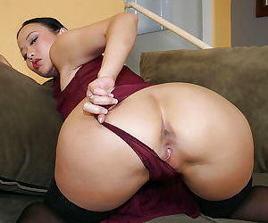 Naughty asian chick likes big fat cock in her cunt - part 4716