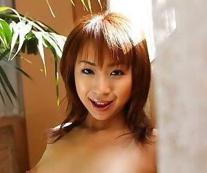 Sexy japanese model karen ichinose poses shows ass - part 3947