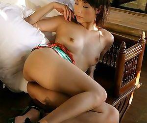 Japanese idol kurumi morishita shows her sexy body - part 274