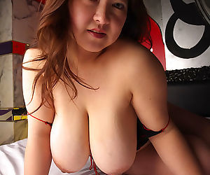 Japanese mariko morikawa shows her natural big tits - part 4089