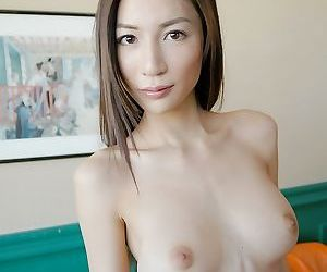 Japanese pretty babe anri showin titties and pussy - part 1451
