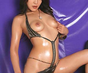 Hot japan pornstar saya in sexy bikini tease - part 4504