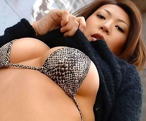 Horny japanese sayumi shows perfect tits and pussy - part 3682