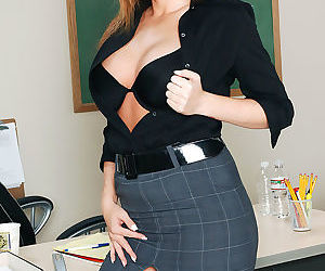 When professor reigns asked her students to write erotic literature, she was exp - part 3337