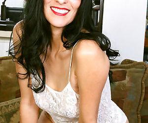 Sexy veronica perez strips down - part 2385