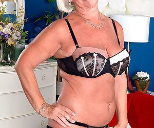 Grandma jeannie lou sucks a 24 year olds cock - part 3199
