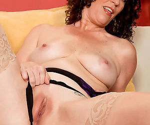 Mature lady tammi fingering her pussy and asshole - part 3138