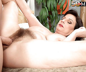 Over 50 milf fucked in her old hairy pussy - part 3041
