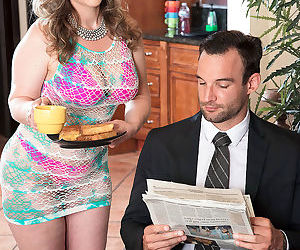 Mallory makes her man later for work - part 2747