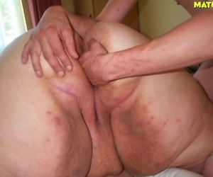 Fat mature slut sucking and fucking - part 1065