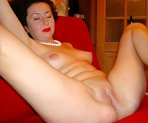 Amateur wives suck and fuck - part 2320
