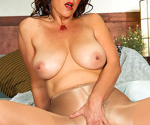 Pretty face nice tits firm ass - part 2502