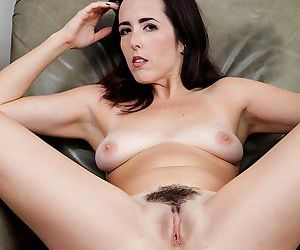 Hairy housewife dixie comet uses the alone time to masturbate. - part 6