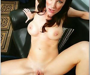 Hot housewife fucked by a thick cock! - part 7
