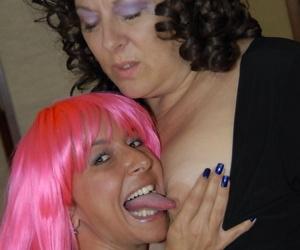 This big mature slut loves her mature girlfriend - part 3550