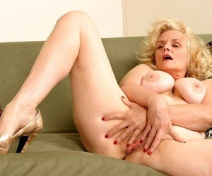 Hot blonde granny showing her wrinkled body - part 3375